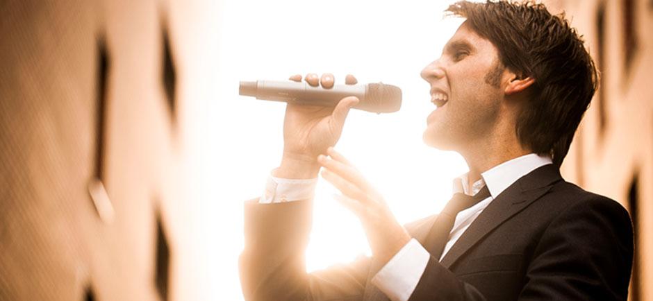 Andrew Mic Sing 2